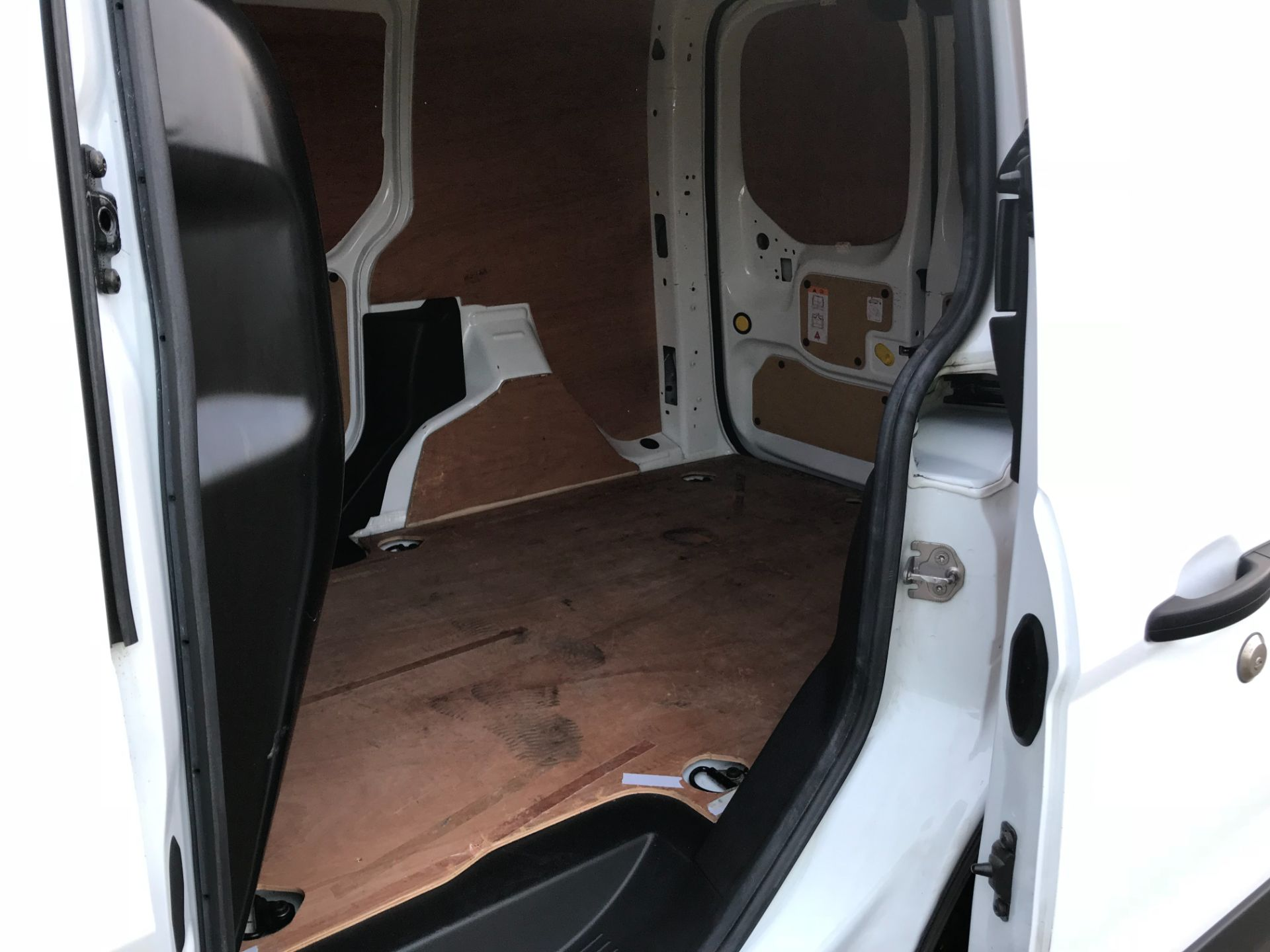 2017 Ford Transit Connect 1.5 Tdci 75Ps Van (FE17VFC) Image 10