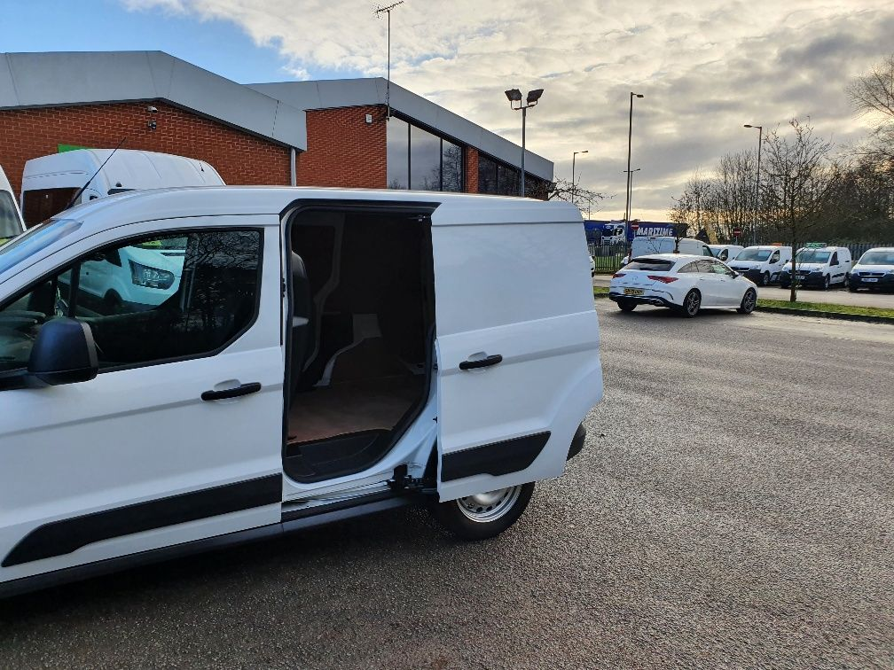2017 Ford Transit Connect 1.5 Tdci 75Ps Van (FE17VFU) Image 14