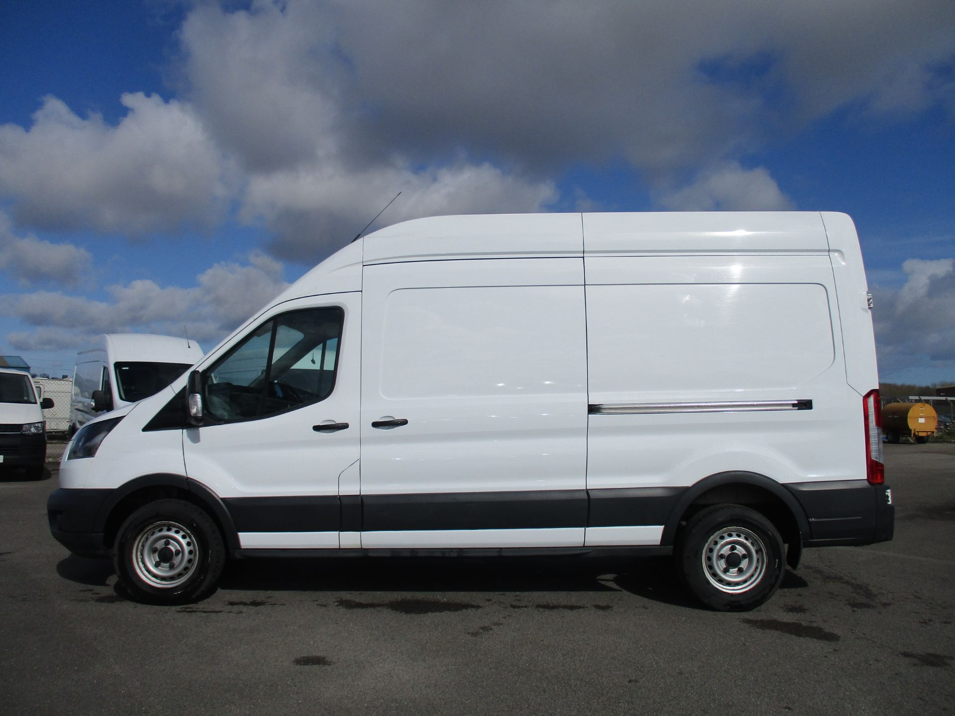 2017 Ford Transit L3 H3 VAN 130PS EURO 6 (FE17VFY) Image 8