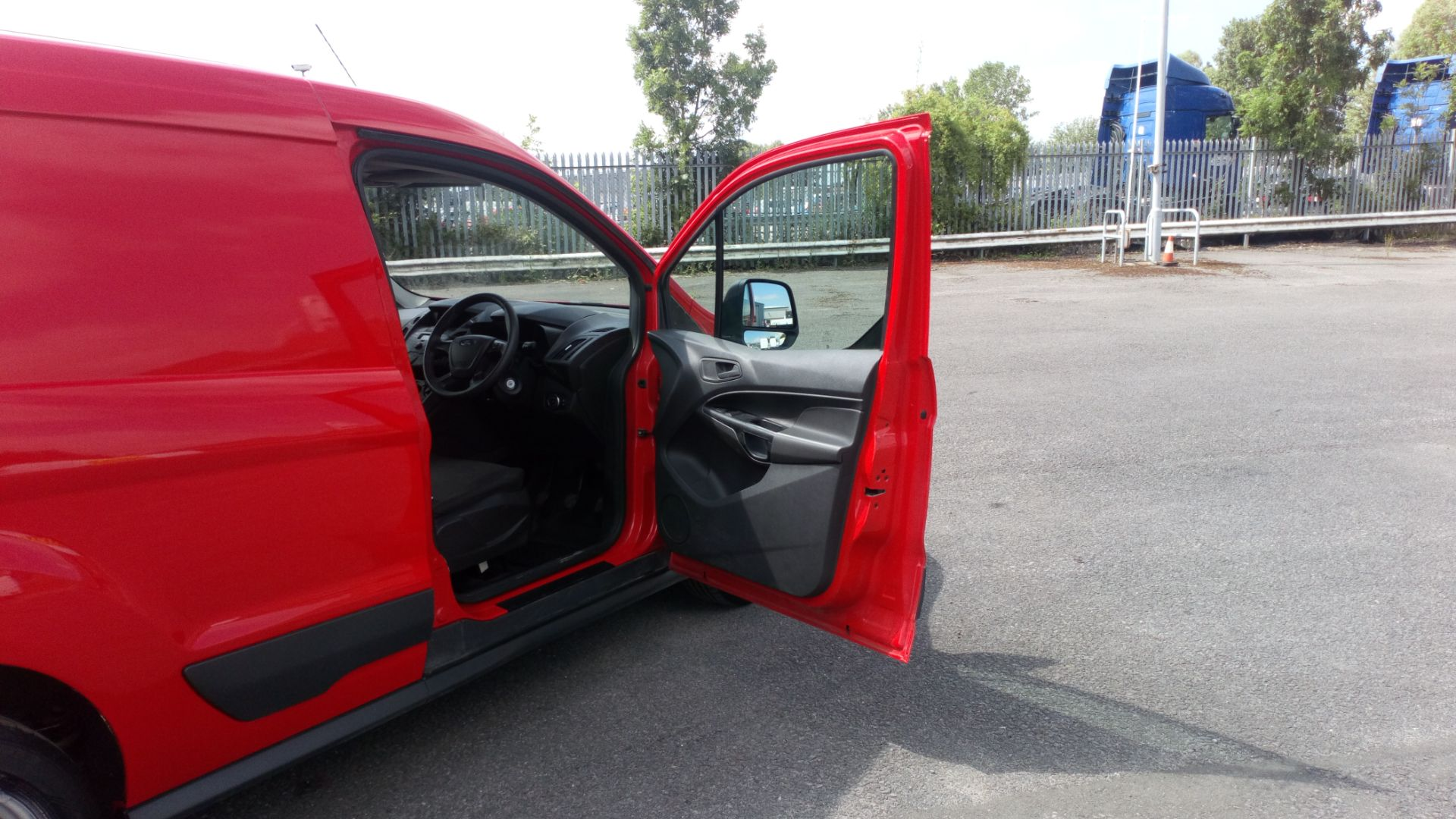 2017 Ford Transit Connect 1.5 Tdci 75Ps Van (FE17VGN) Image 14