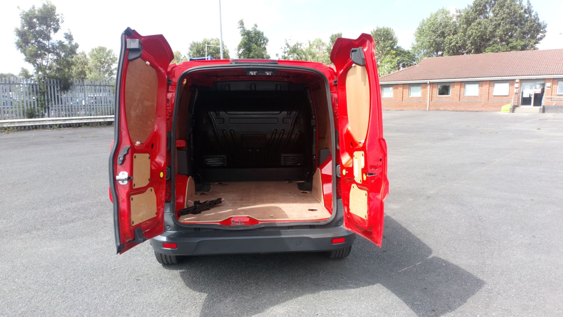 2017 Ford Transit Connect 1.5 Tdci 75Ps Van (FE17VGN) Image 10