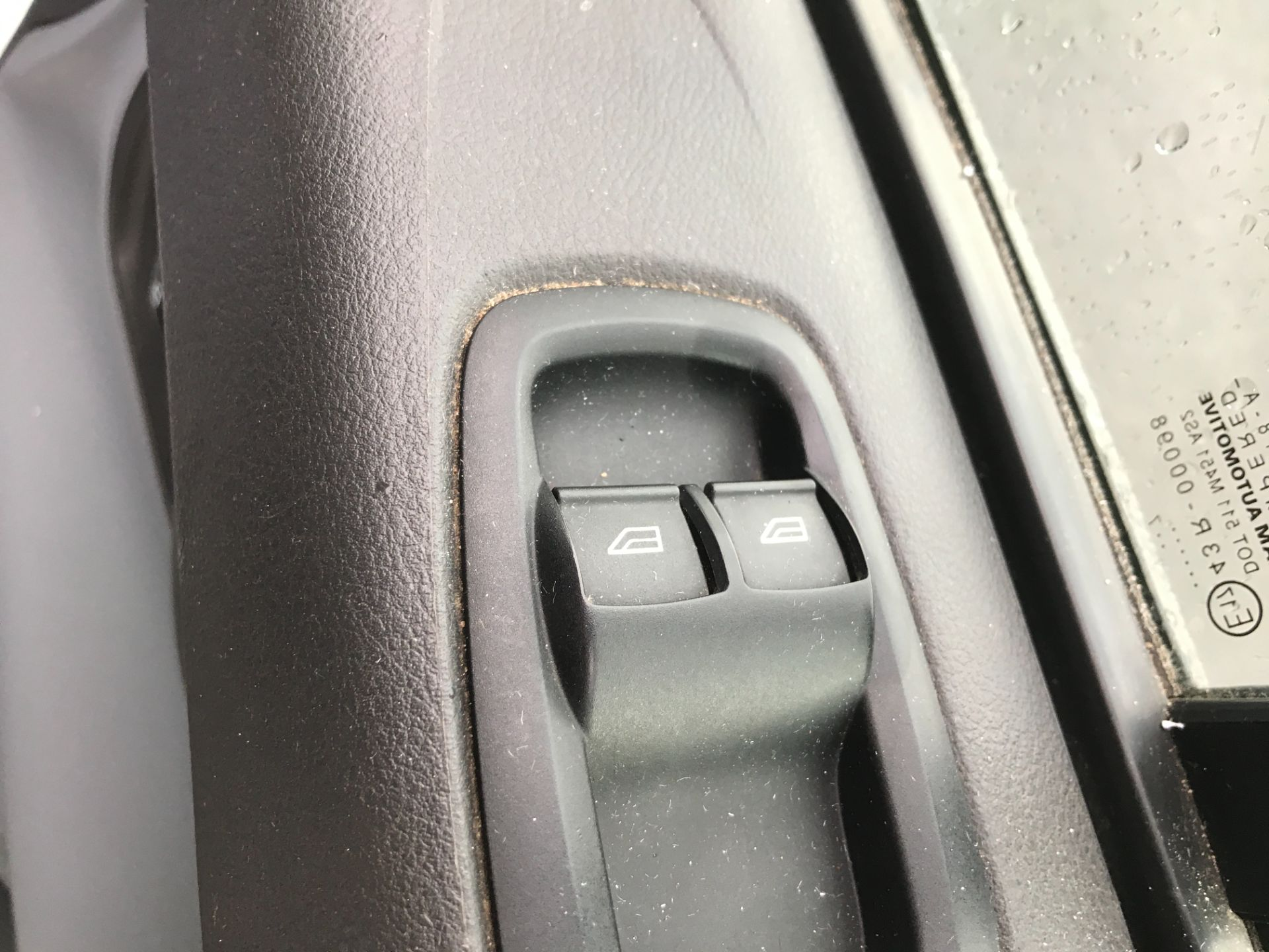 2017 Ford Transit Custom 290 L1 2.0TDCI 105PS LOW ROOF EURO 6 DOUBLE CAB (FE17VJX) Image 14