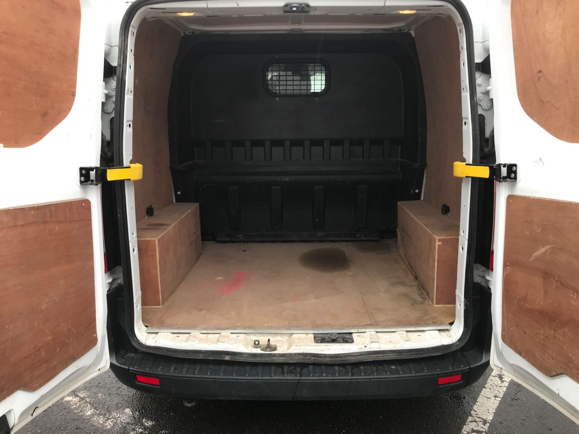 2017 Ford Transit Custom 290 L1 2.0TDCI 105PS LOW ROOF EURO 6 DOUBLE CAB (FE17VJX) Image 9
