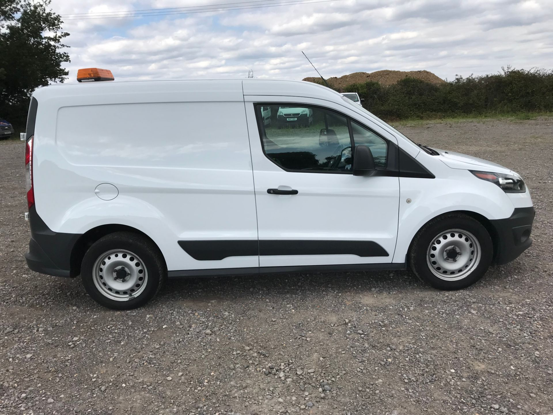 2017 Ford Transit Connect 1.5 Tdci 75Ps Van (FE17VLG) Image 9