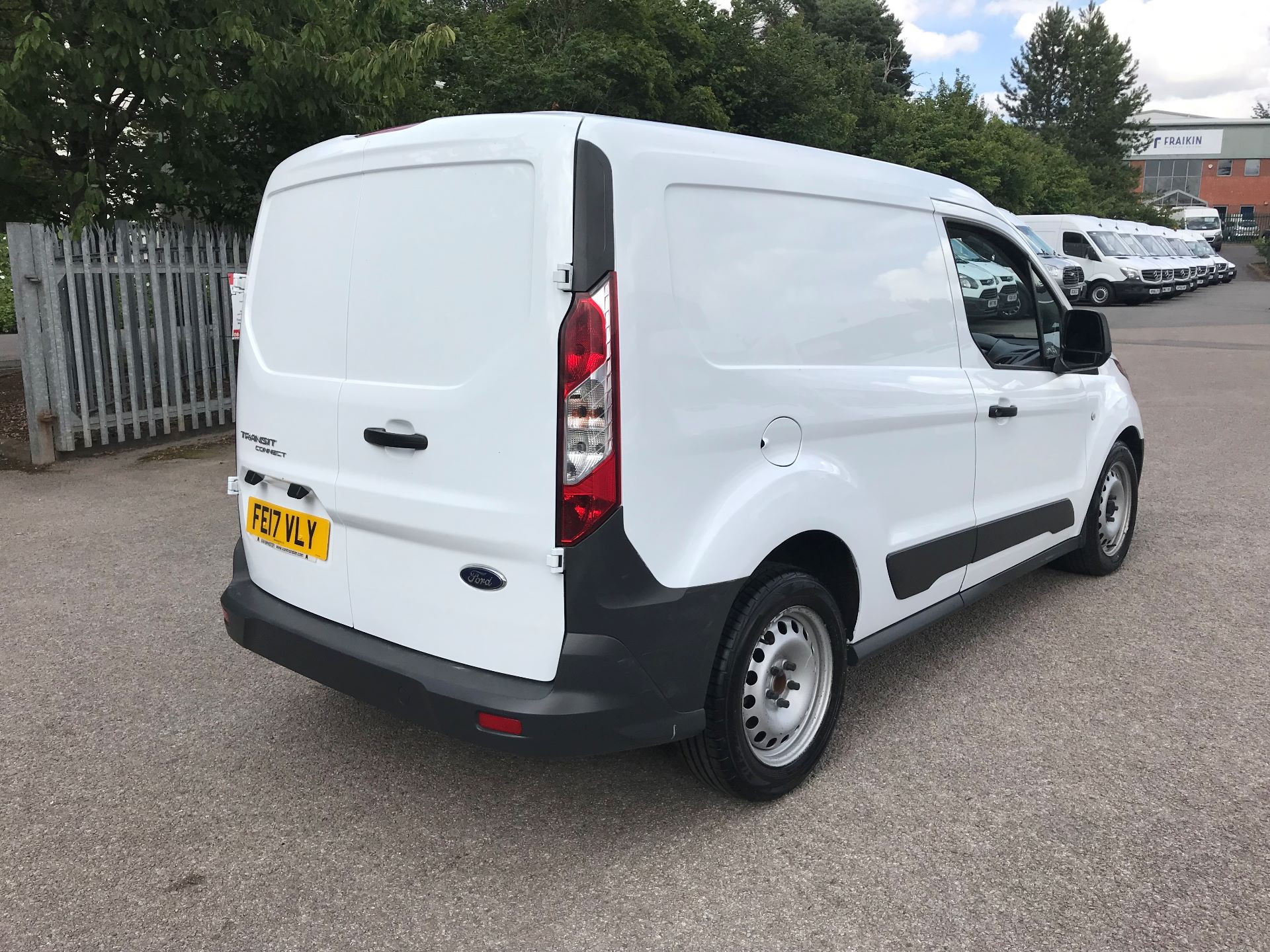 2017 Ford Transit Connect 1.5 Tdci 75Ps Van (FE17VLY) Image 8
