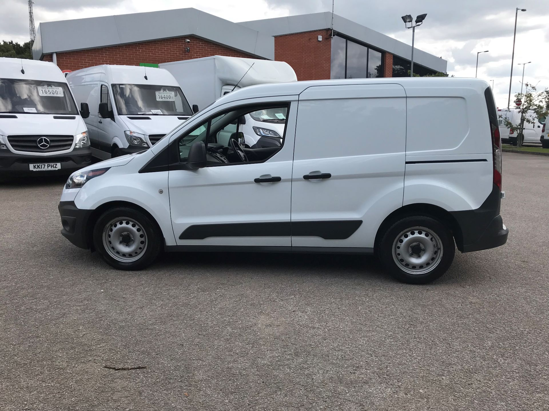 2017 Ford Transit Connect 1.5 Tdci 75Ps Van (FE17VLY) Image 13