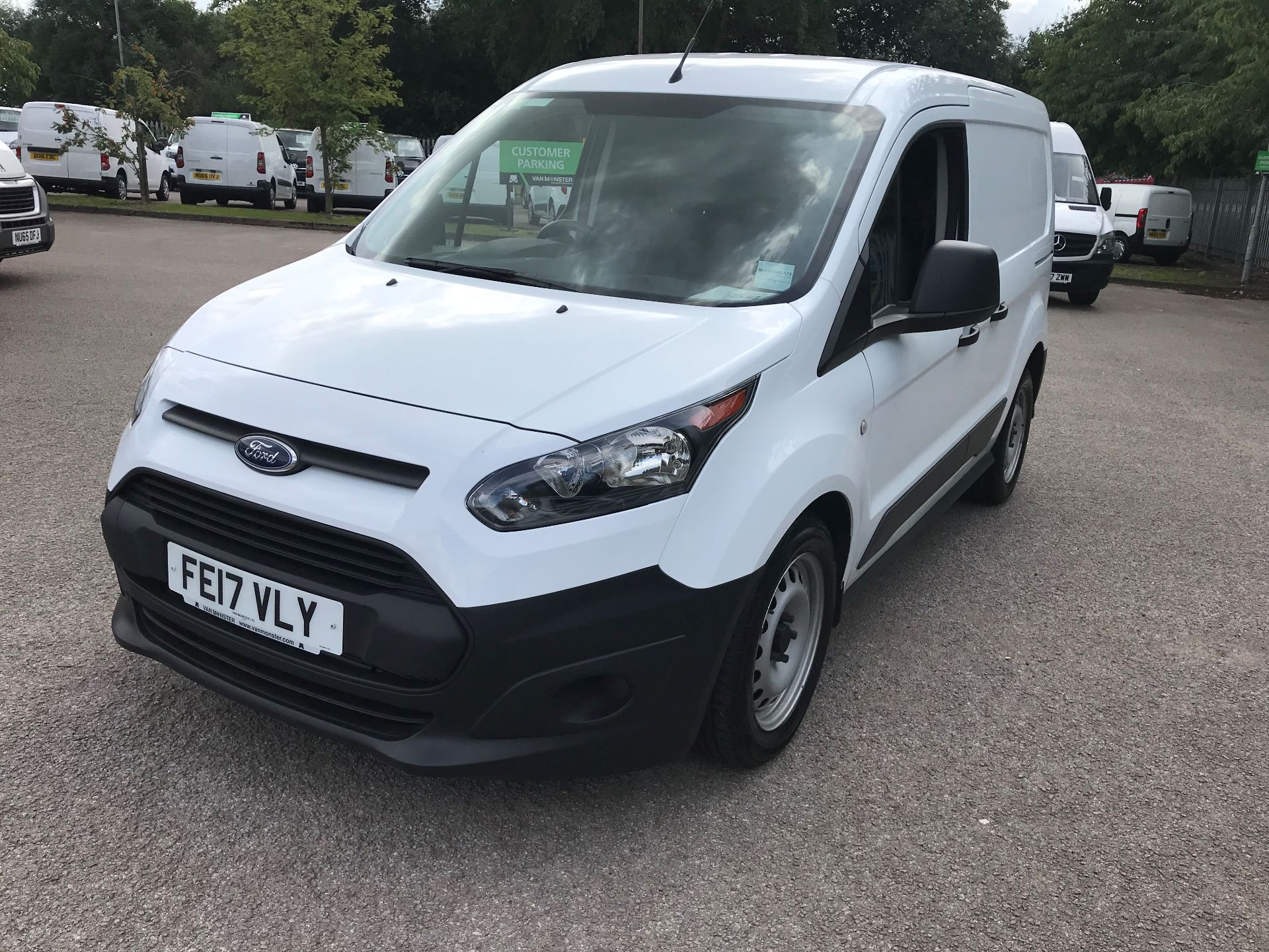2017 Ford Transit Connect 1.5 Tdci 75Ps Van (FE17VLY) Image 17