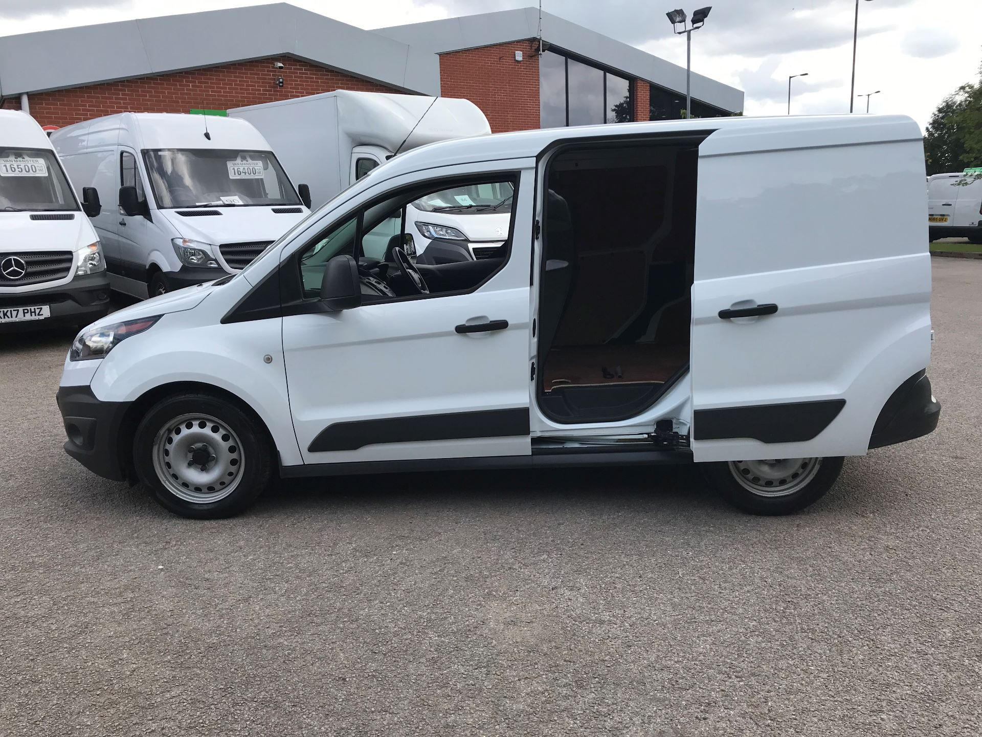 2017 Ford Transit Connect 1.5 Tdci 75Ps Van (FE17VLY) Image 14