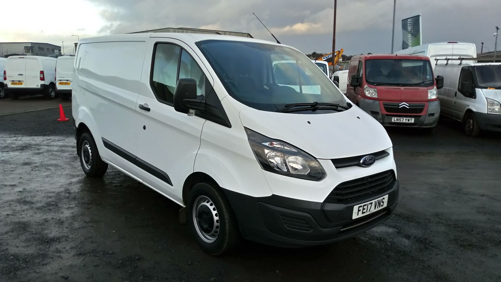2017 Ford Transit Custom 2.0 Tdci 105Ps Low Roof Van (FE17VNS)