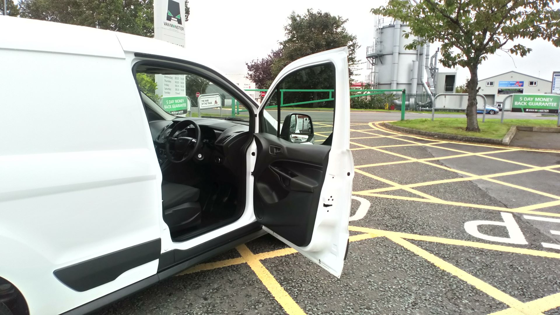 2017 Ford Transit Connect 1.5 Tdci 75Ps Van (FE17VOJ) Image 13