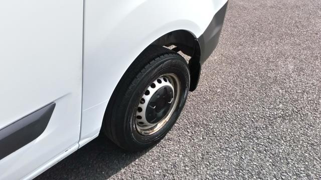 2018 Ford Transit Custom 2.0 Tdci 105Ps Low Roof Van (FE18HTO) Image 9