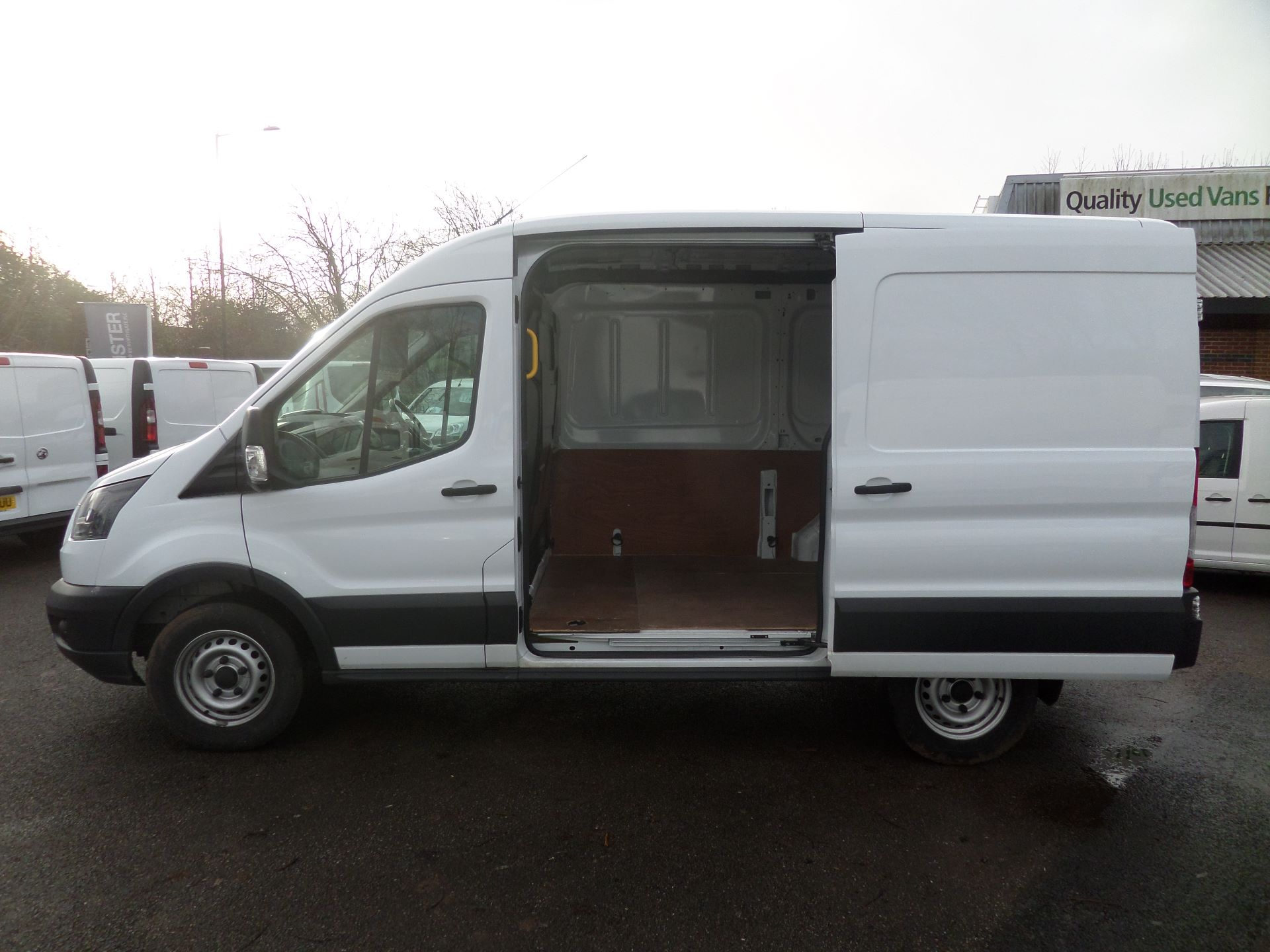 2018 Ford Transit 2.0 Tdci 130Ps MWB/ H2 Van Euro 6 (FE18HWY) Image 7