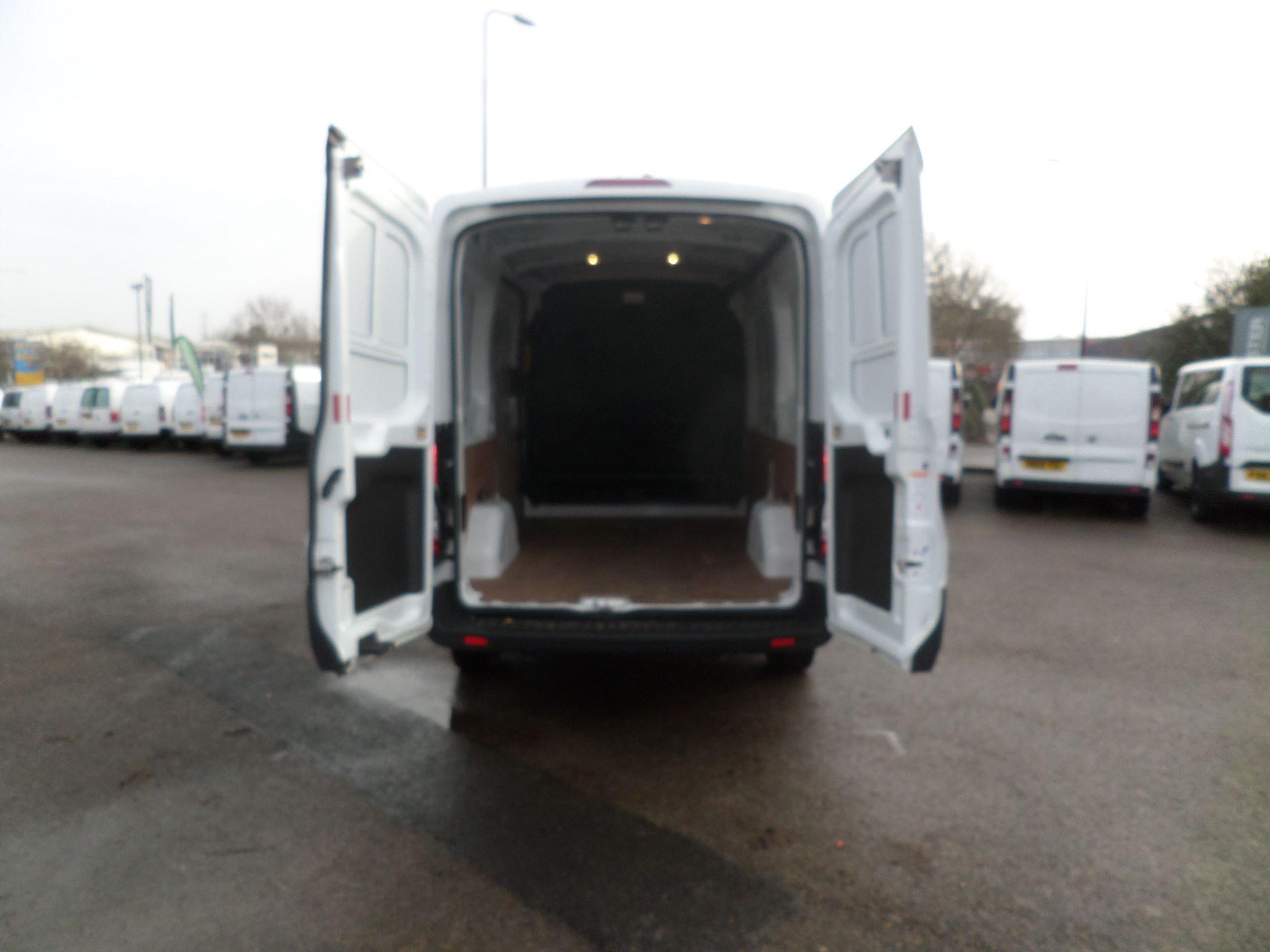 2018 Ford Transit 2.0 Tdci 130Ps MWB/ H2 Van Euro 6 (FE18HWY) Image 4