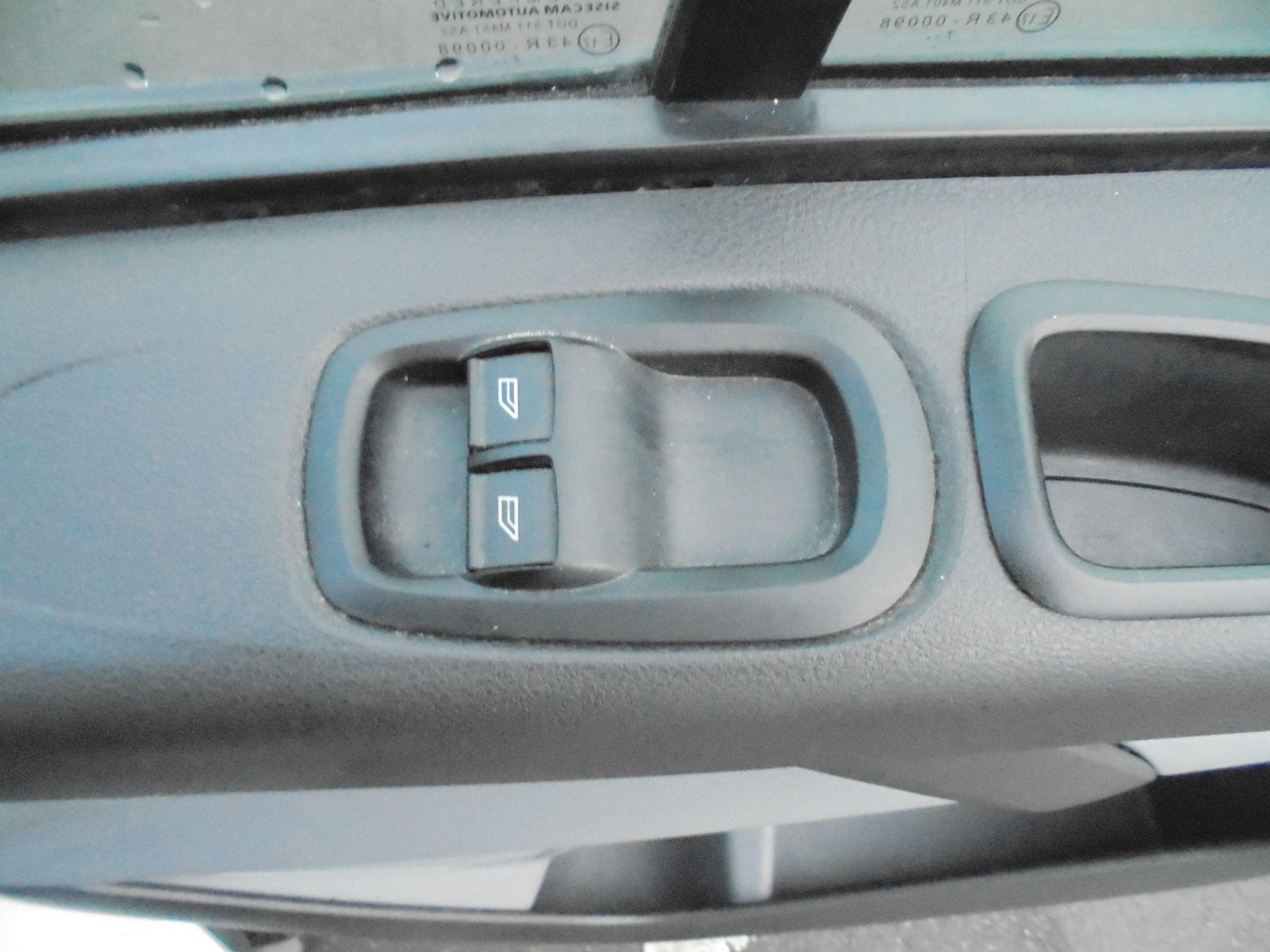 2018 Ford Transit Custom 290 2.0 Tdci 105Ps L1 H1 Low Roof Van (FE18JFY) Image 12