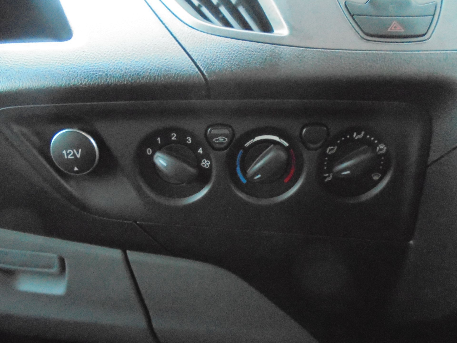 2018 Ford Transit Custom 290 2.0 Tdci 105Ps L1 H1 Low Roof Van (FE18JFY) Image 17