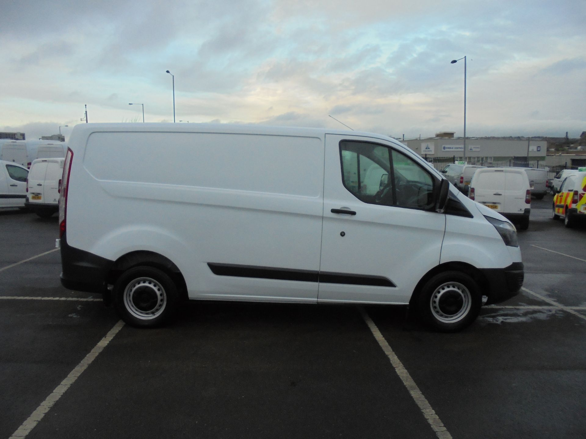 2018 Ford Transit Custom 290 2.0 Tdci 105Ps L1 H1 Low Roof Van (FE18JFY) Image 8