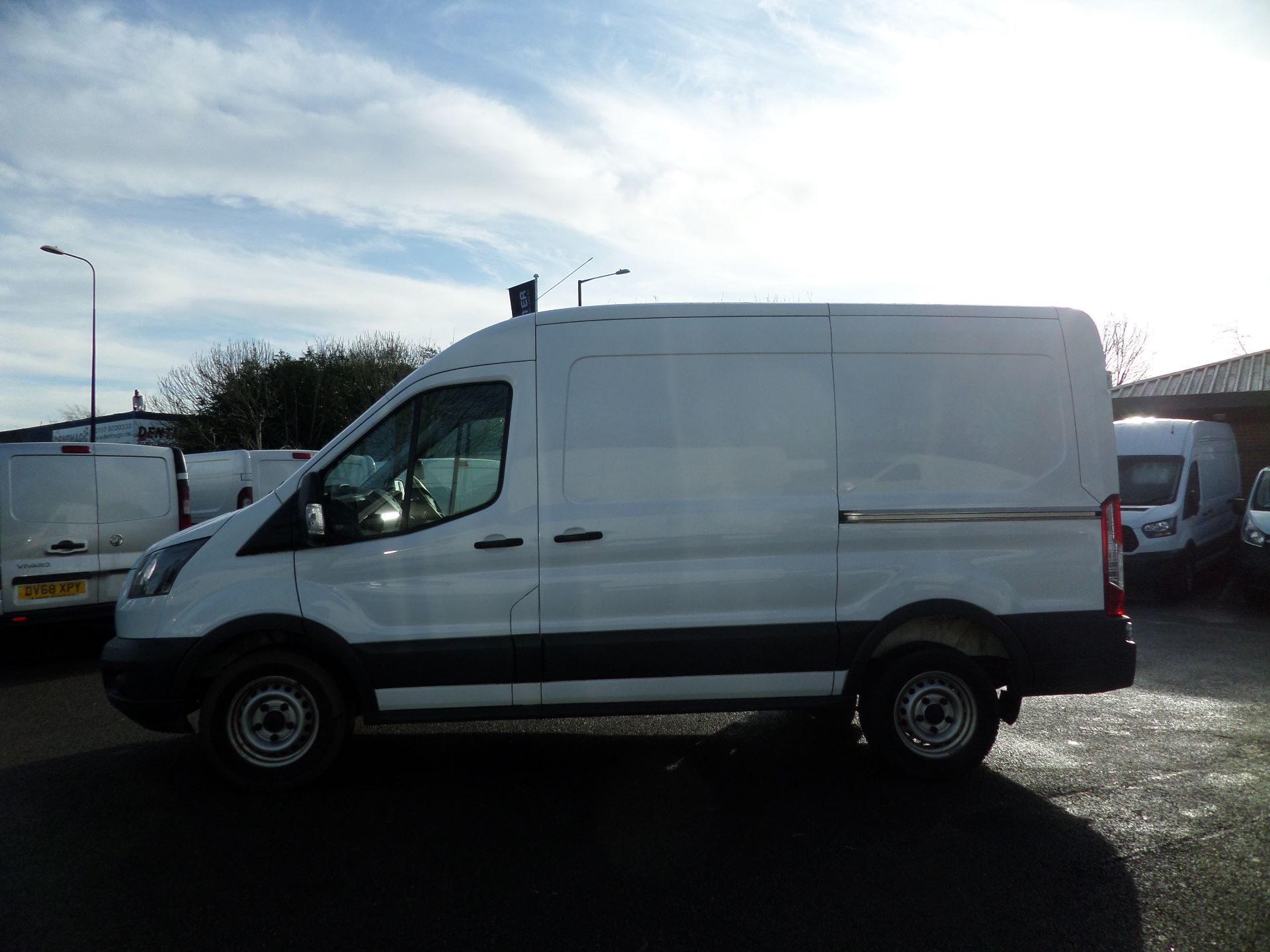 2018 Ford Transit 2.0 Tdci 130Ps H2/L2 Van Euro 6 (FE18JGO) Image 6