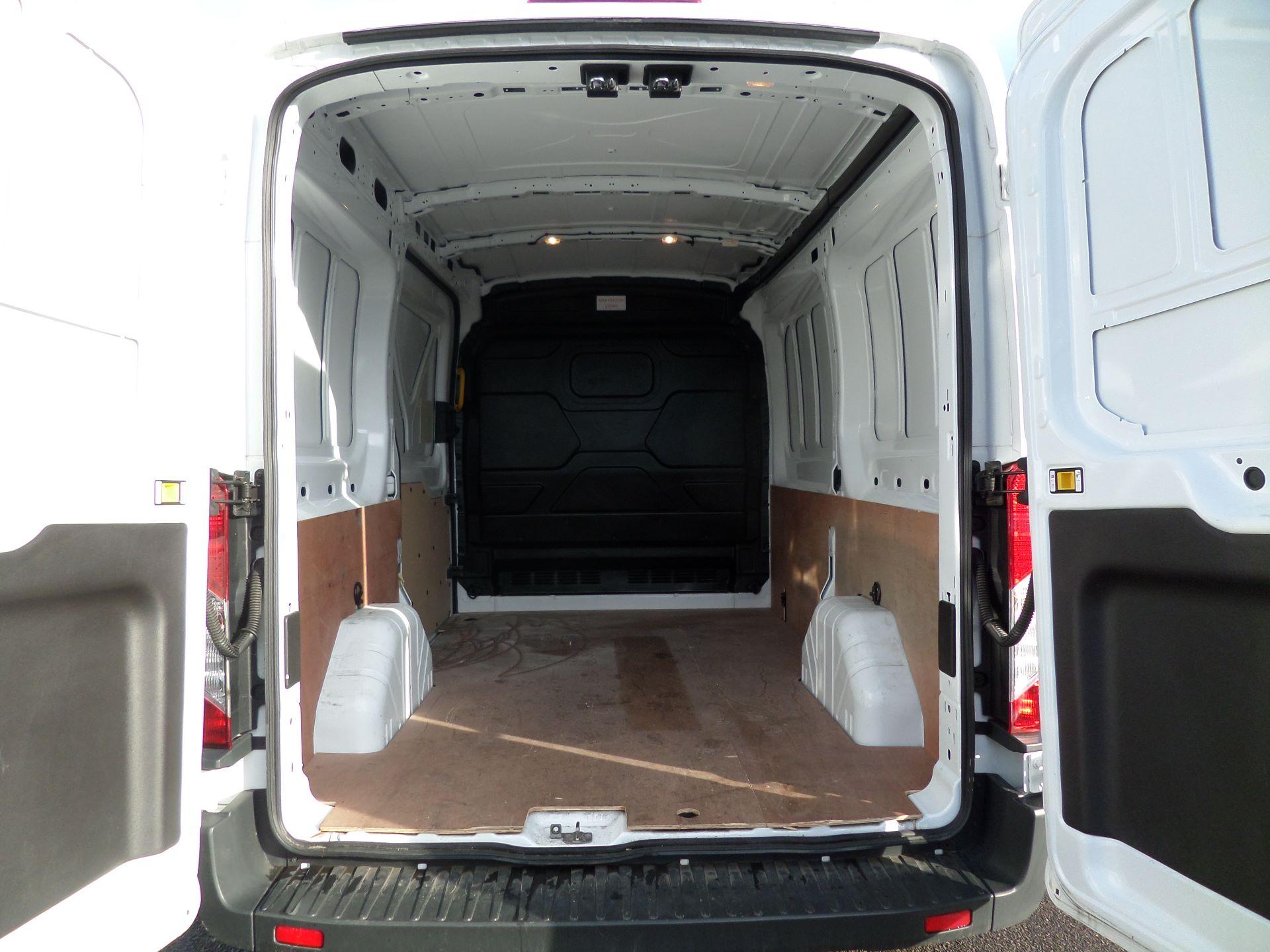 2018 Ford Transit 2.0 Tdci 130Ps H2/L2 Van Euro 6 (FE18JGO) Image 5