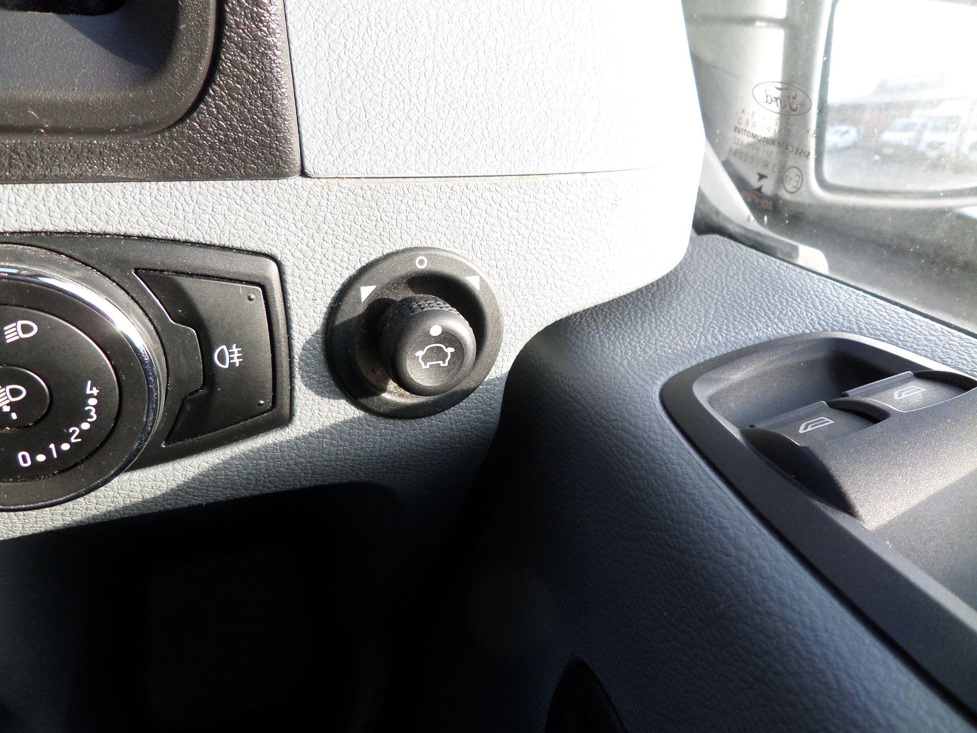 2018 Ford Transit 2.0 Tdci 130Ps H2/L2 Van Euro 6 (FE18JGO) Image 16