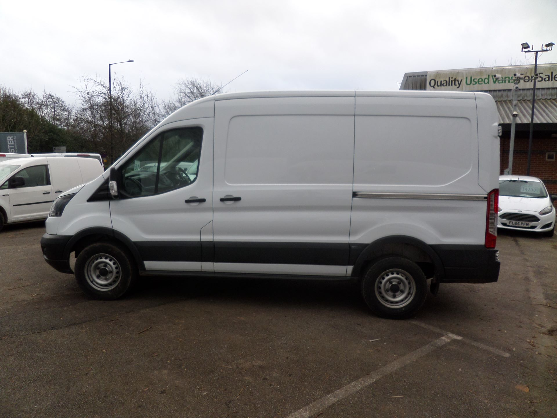 2018 Ford Transit 2.0 Tdci 130Ps MWB/ H2 Van Euro 6 (FE18JMV) Image 6
