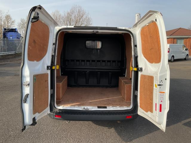 2018 Ford Transit Custom 2.0 Tdci 105Ps Low Roof D/Cab Van (FE18JNX) Image 12