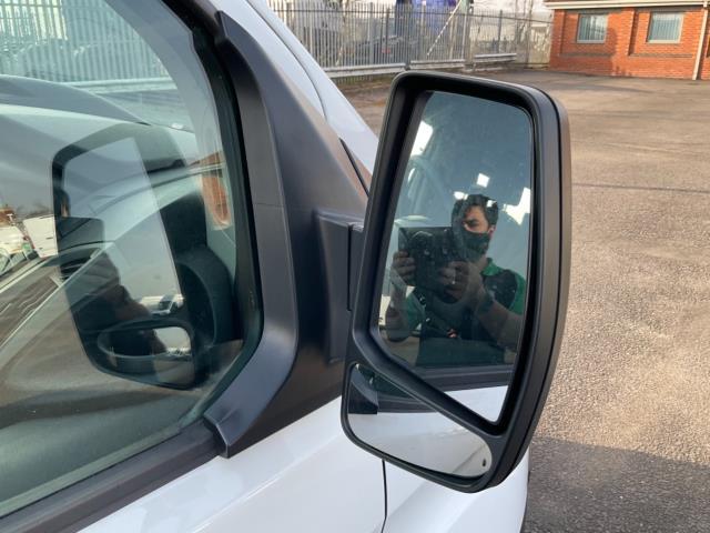 2018 Ford Transit Custom 2.0 Tdci 105Ps Low Roof D/Cab Van (FE18JNX) Image 10