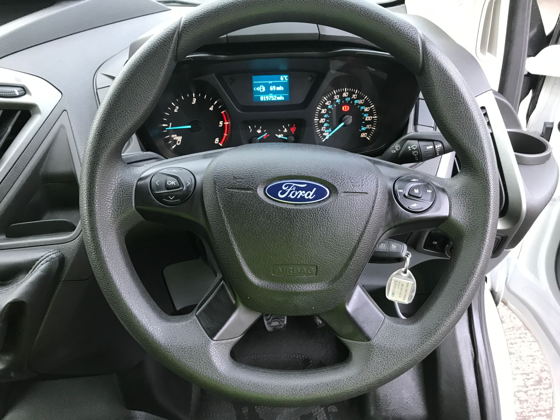 2018 Ford Transit Custom 290 L1 2.0TDCI 105PS LOW ROOF EURO 6 (FE18VPU) Image 5