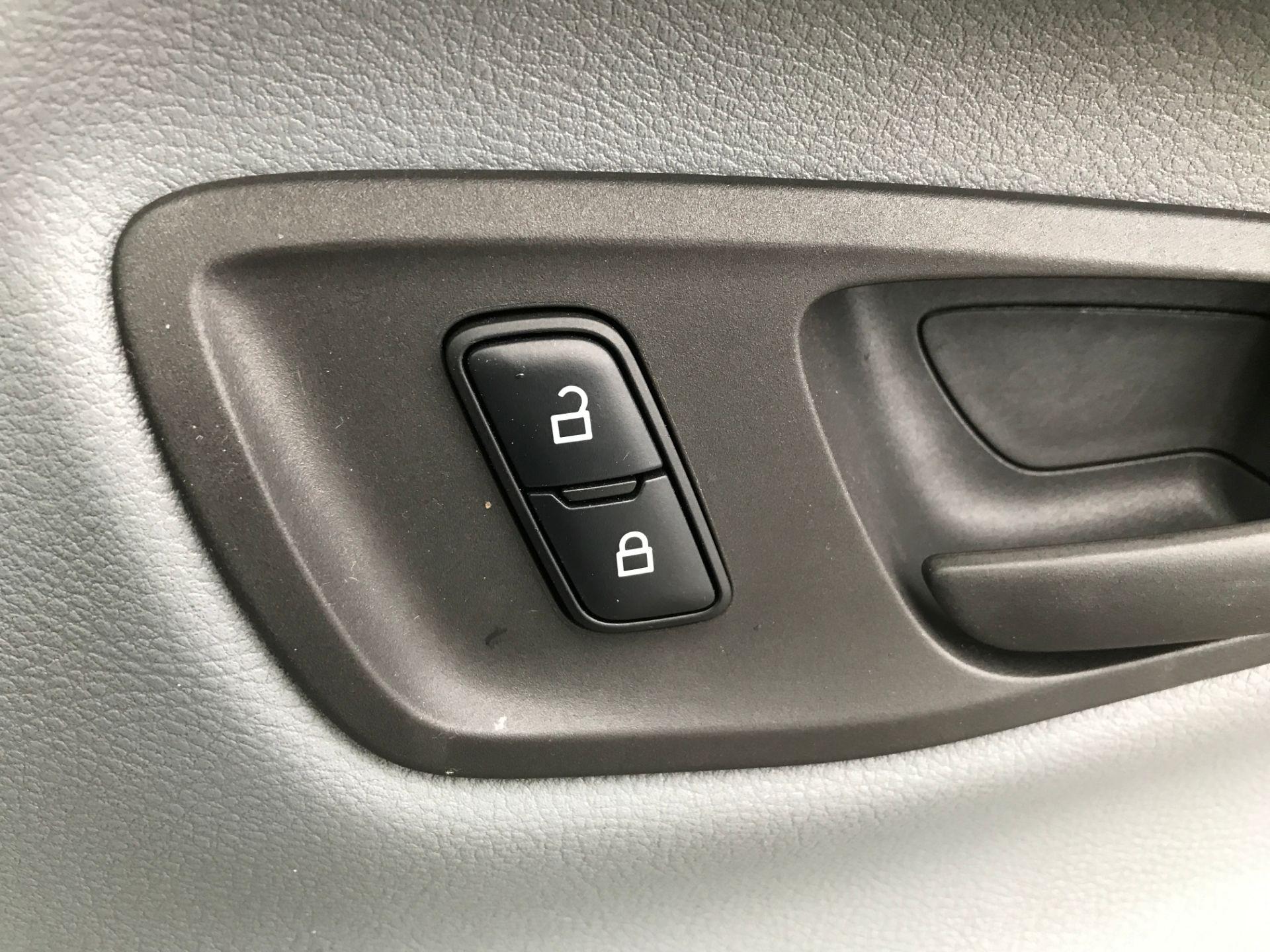 2018 Ford Transit Custom 290 L1 2.0TDCI 105PS LOW ROOF EURO 6 (FE18VPU) Image 27