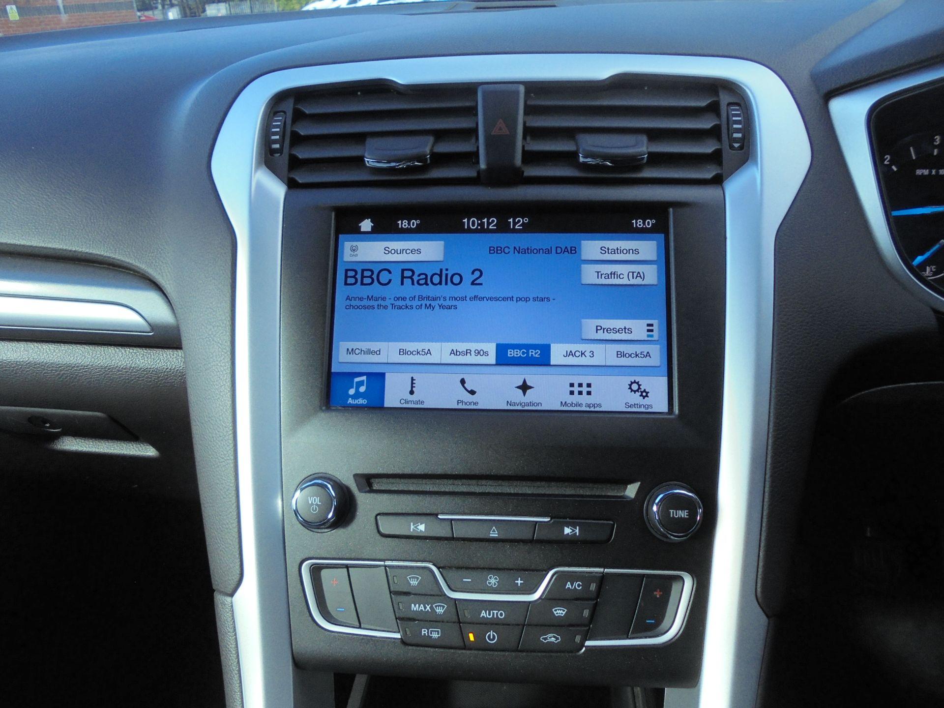2018 Ford Mondeo 2.0 Tdci Econetic Zetec 5Dr [Nav] (FE18VTW) Image 15