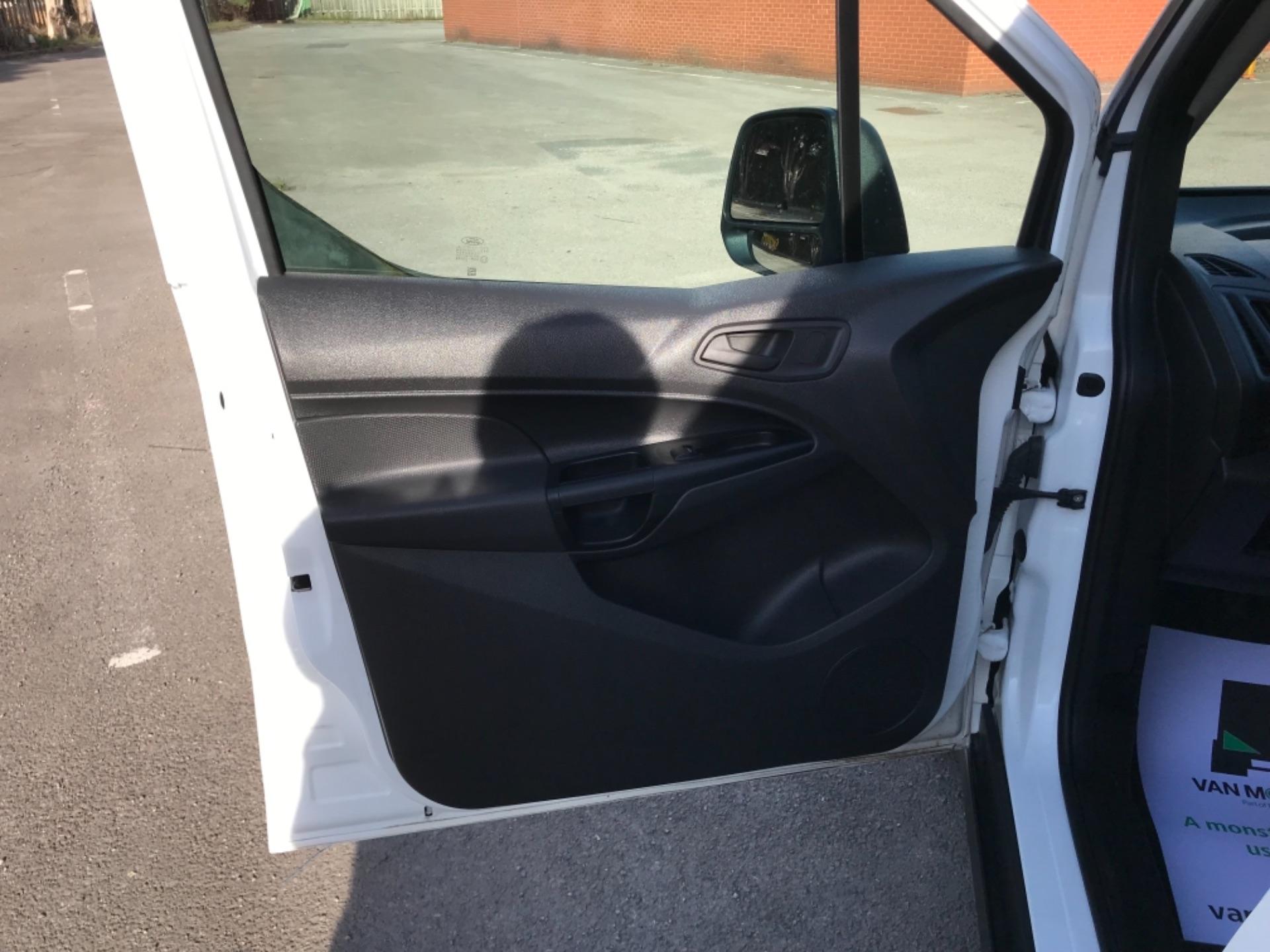 2018 Ford Transit Connect 1.5 Tdci 75Ps Van (FE18VVD) Image 30