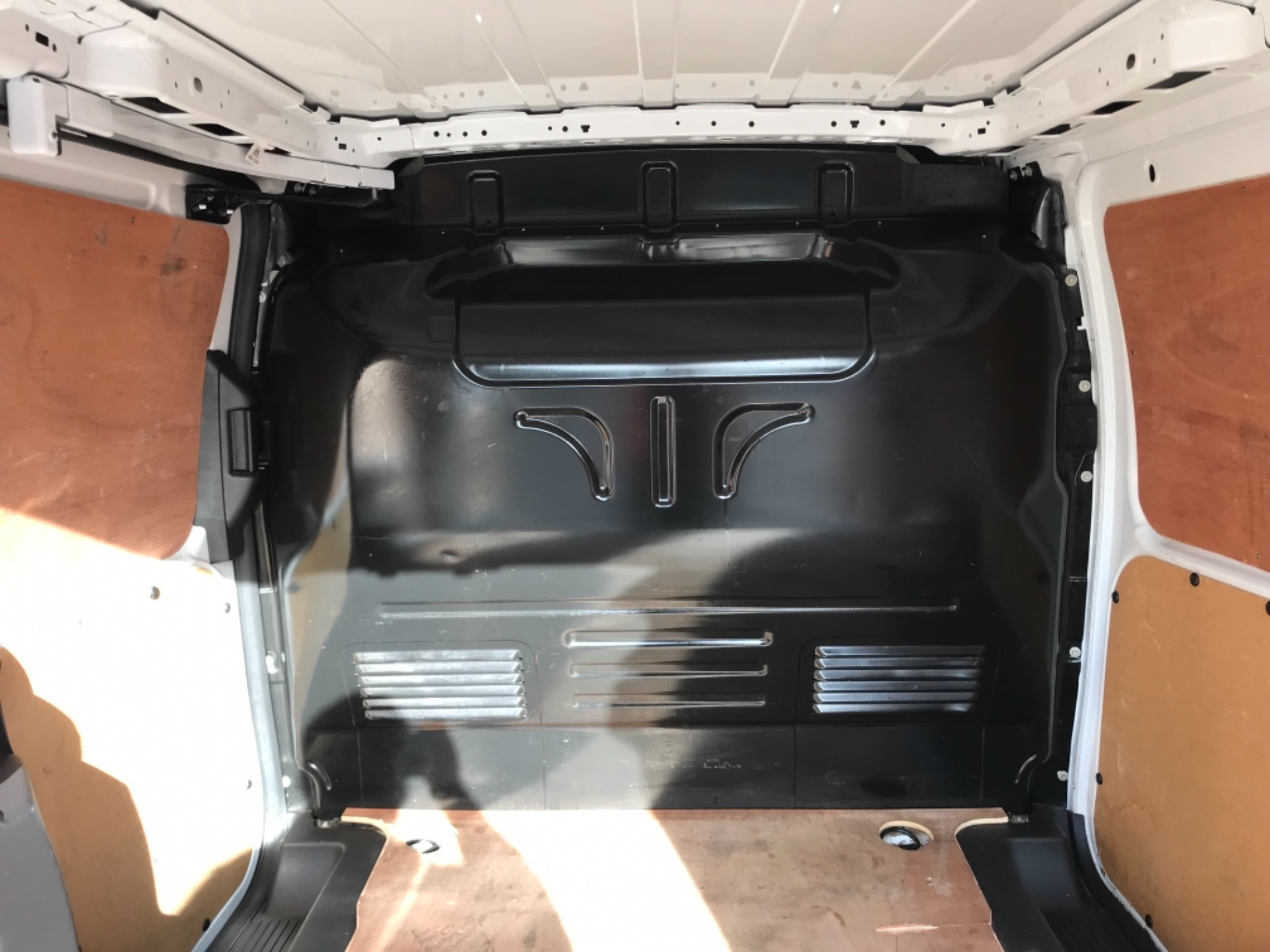 2018 Ford Transit Connect 1.5 Tdci 75Ps Van (FE18VVD) Image 37
