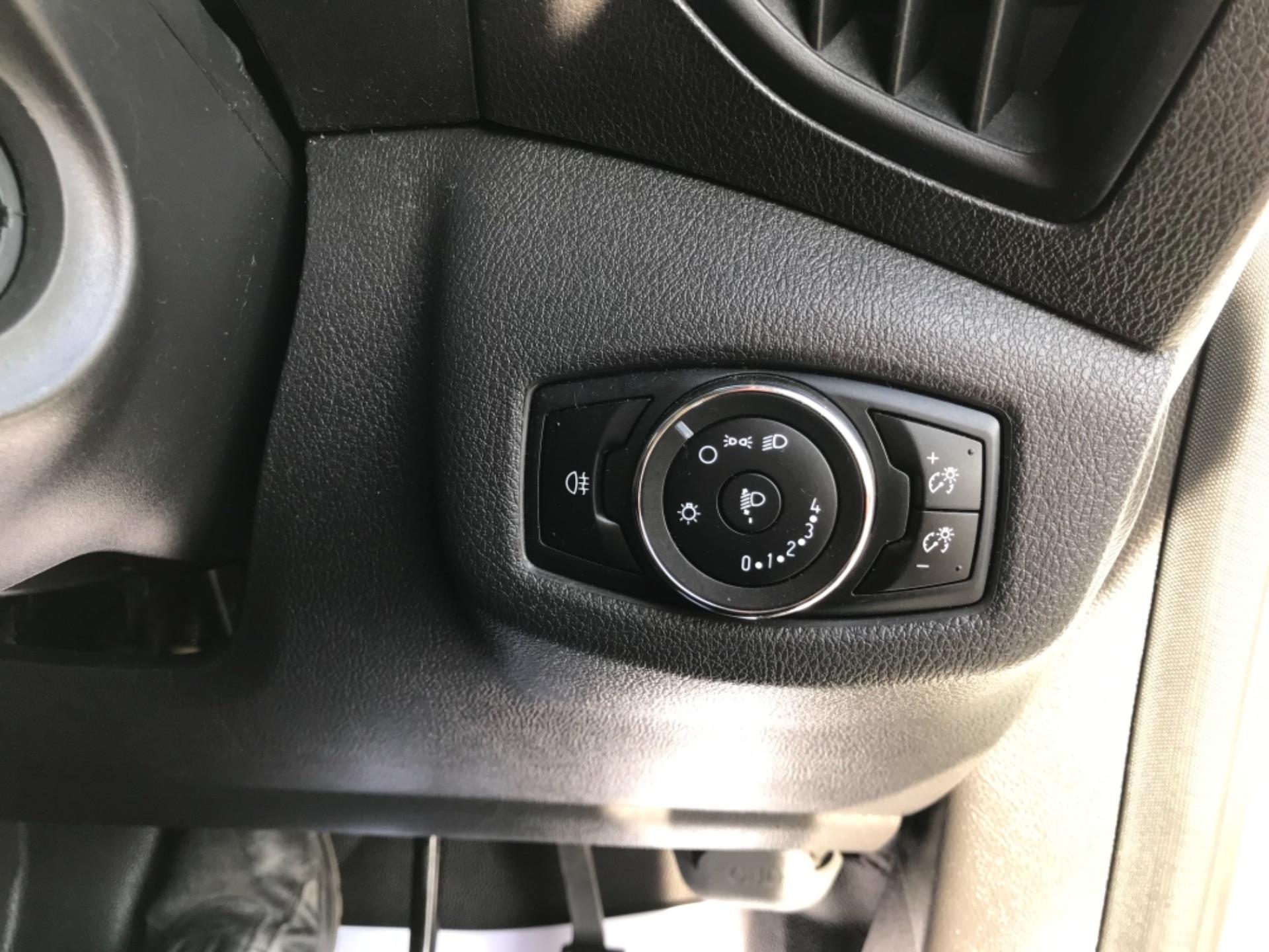 2018 Ford Transit Connect 1.5 Tdci 75Ps Van (FE18VVD) Image 21