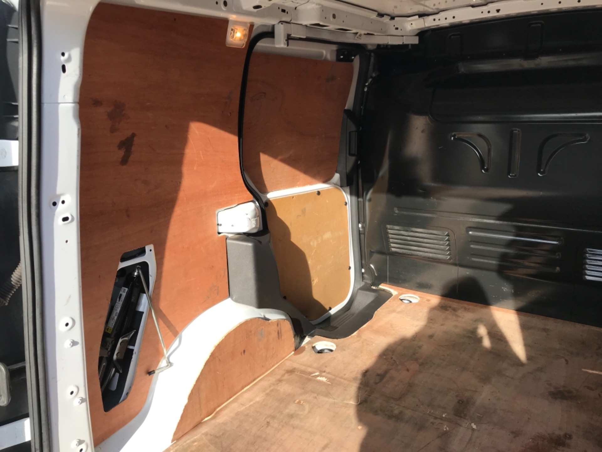2018 Ford Transit Connect 1.5 Tdci 75Ps Van (FE18VVD) Image 38