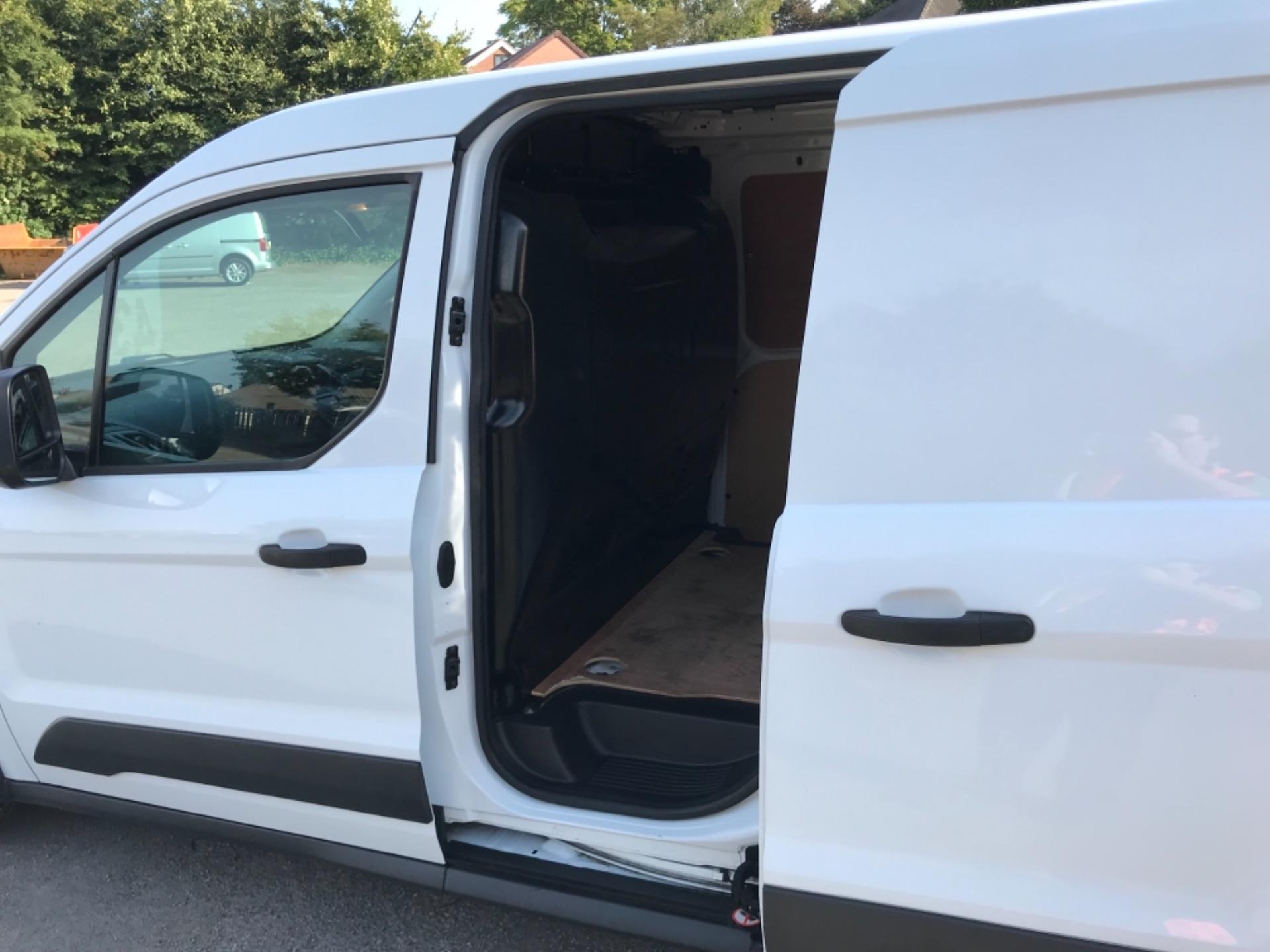2018 Ford Transit Connect 1.5 Tdci 75Ps Van (FE18VVD) Image 33