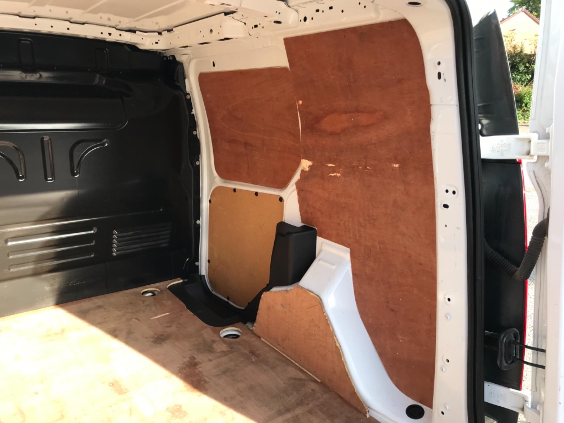 2018 Ford Transit Connect 1.5 Tdci 75Ps Van (FE18VVD) Image 39