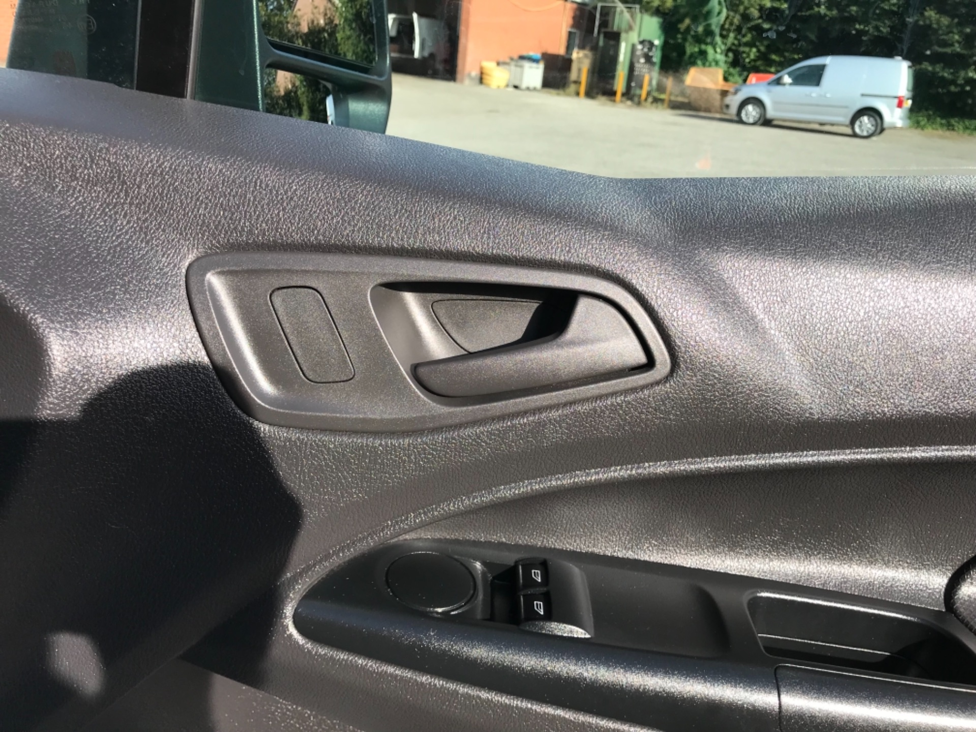 2018 Ford Transit Connect 1.5 Tdci 75Ps Van (FE18VVD) Image 16