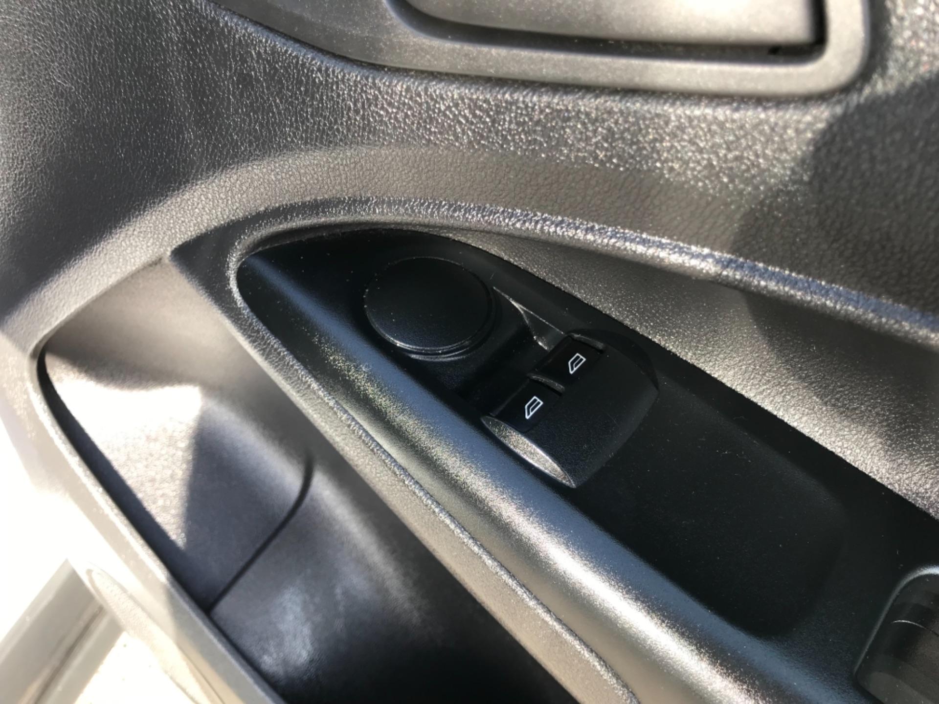 2018 Ford Transit Connect 1.5 Tdci 75Ps Van (FE18VVD) Image 15