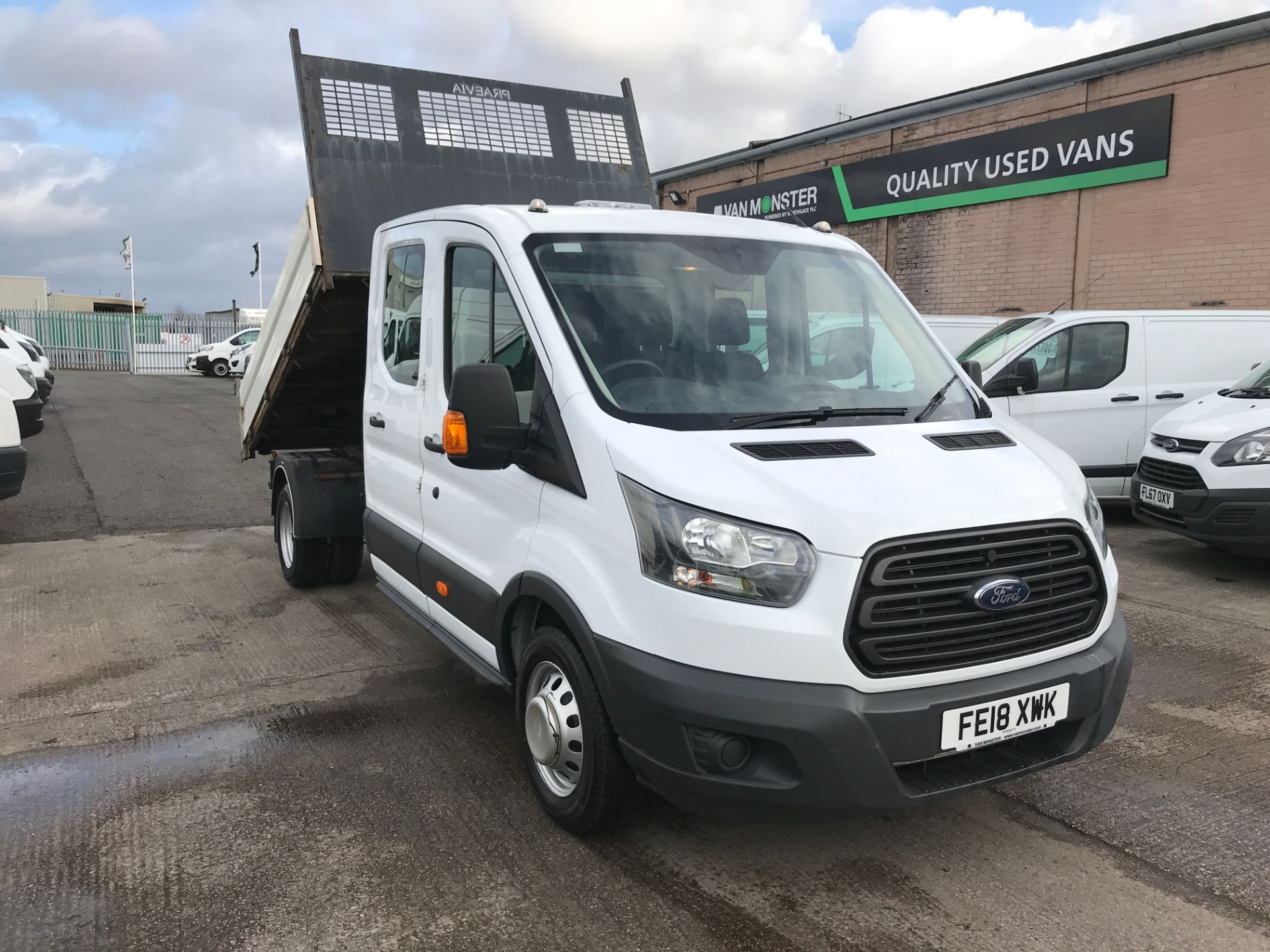 2018 Ford Transit T350 DOUBLE CAB TIPPER 130PS EURO 5 (FE18XWK)