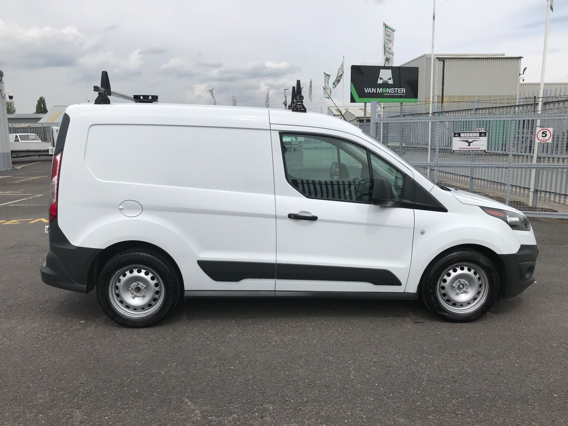 2017 Ford Transit Connect T200 L1 H1 1.5TDCI 75PS EURO 6 (FE67AAN) Image 5