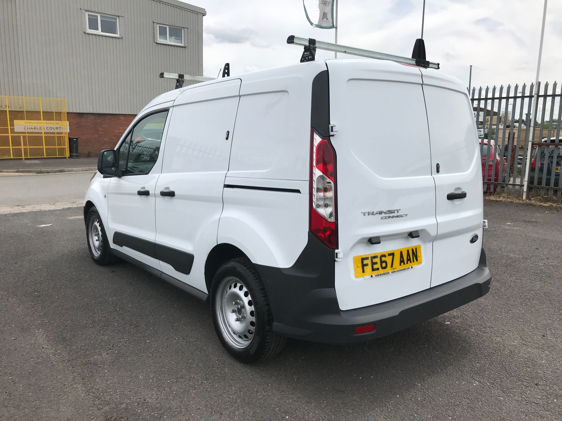 2017 Ford Transit Connect T200 L1 H1 1.5TDCI 75PS EURO 6 (FE67AAN) Image 4