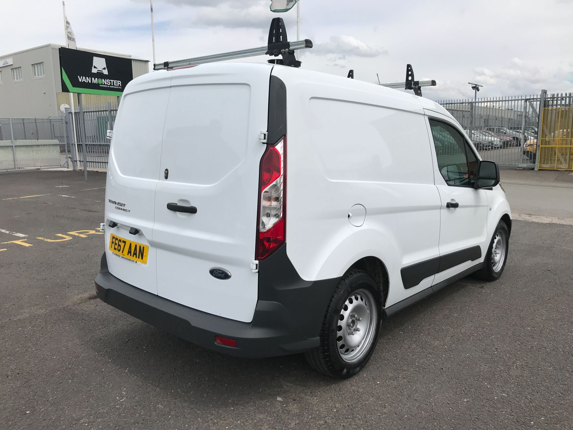 2017 Ford Transit Connect T200 L1 H1 1.5TDCI 75PS EURO 6 (FE67AAN) Image 3
