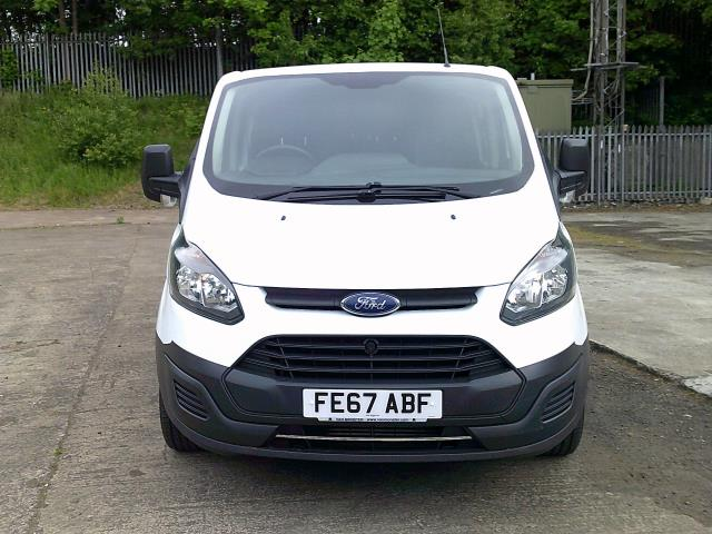 2017 Ford Transit Custom 290 L1 DIESEL FWD 2.0 TDCI 105PS LOW ROOF DOUBLE CAB VAN EURO 6 (FE67ABF) Image 15