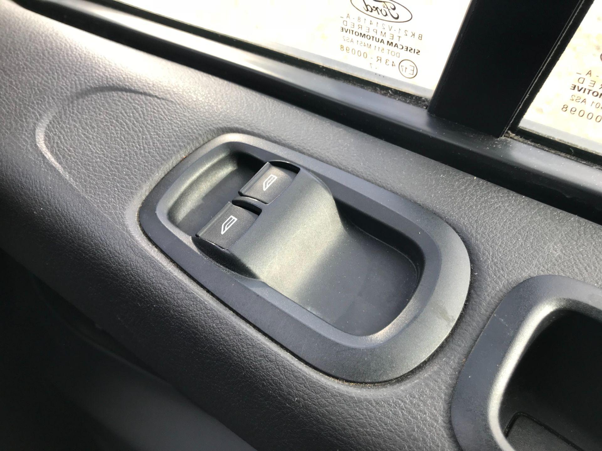 2017 Ford Transit Custom 2.0 Tdci 105Ps Low Roof Van Euro 6 (FE67AEL) Image 34