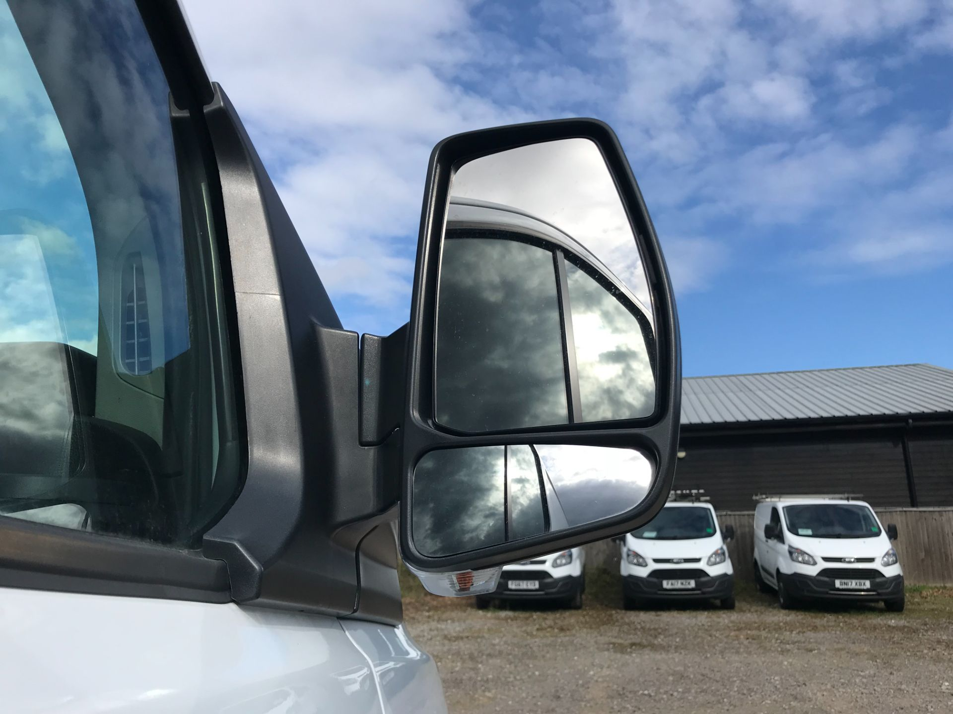 2017 Ford Transit Custom 2.0 Tdci 105Ps Low Roof Van Euro 6 (FE67AEL) Image 13
