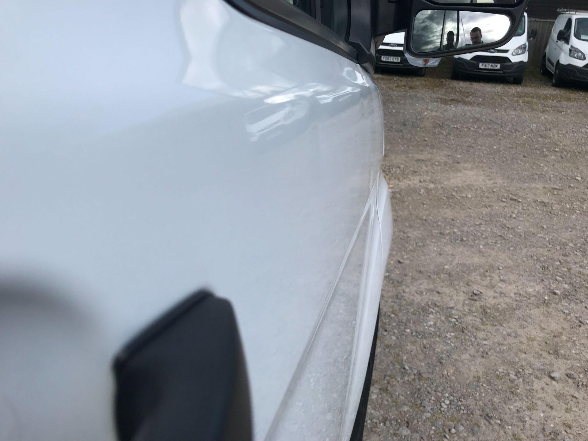 2017 Ford Transit Custom 2.0 Tdci 105Ps Low Roof Van Euro 6 (FE67AEL) Image 40