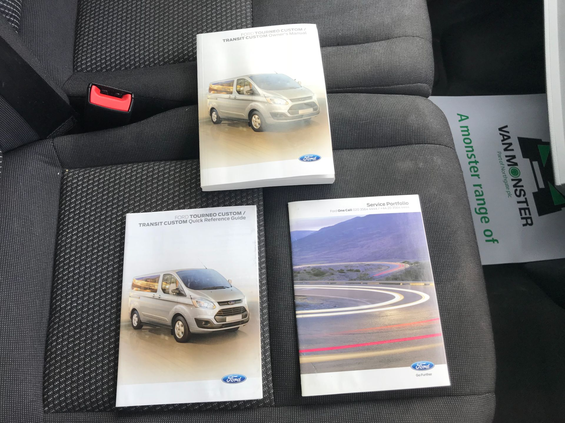 2017 Ford Transit Custom 2.0 Tdci 105Ps Low Roof Van Euro 6 (FE67AEL) Image 35
