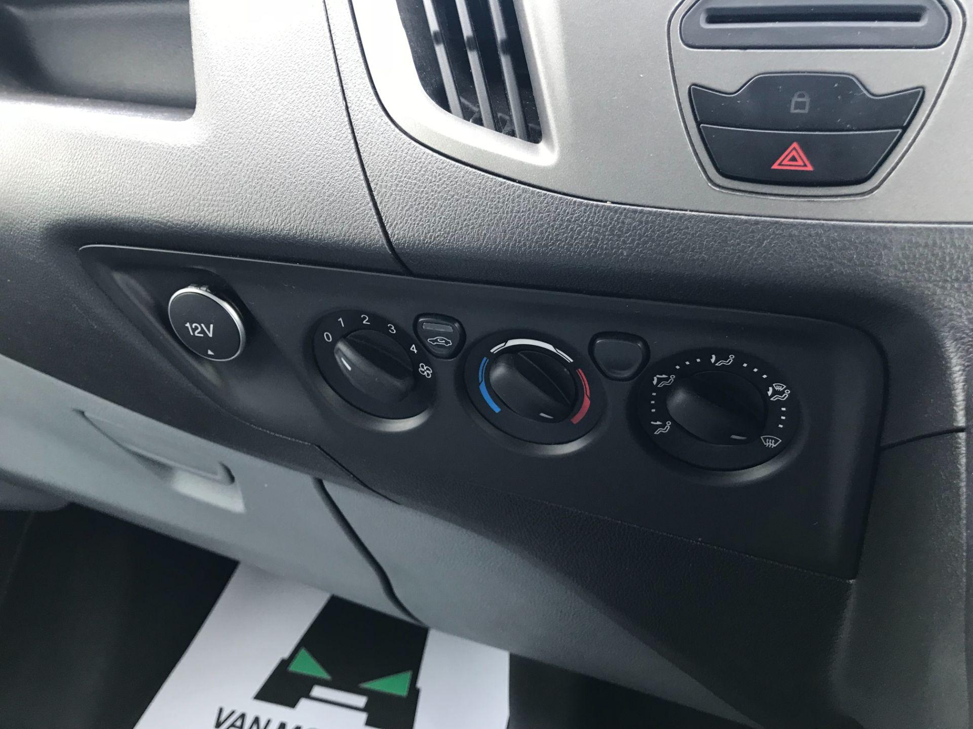2017 Ford Transit Custom 2.0 Tdci 105Ps Low Roof Van Euro 6 (FE67AEL) Image 28