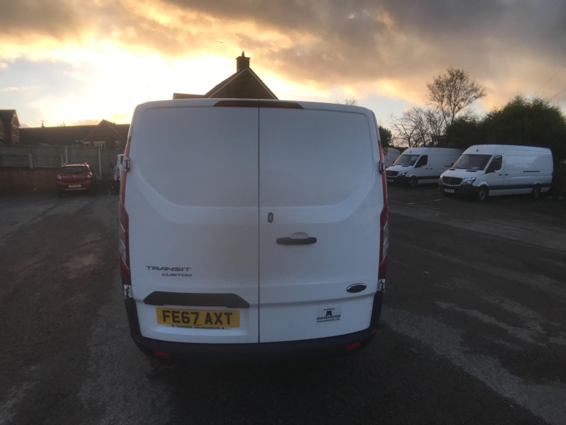 2017 Ford Transit Custom  290 L1 DIESEL FWD 2.0 TDCI 105PS LOW ROOF D/CAB VAN EURO 6 (FE67AXT) Image 6