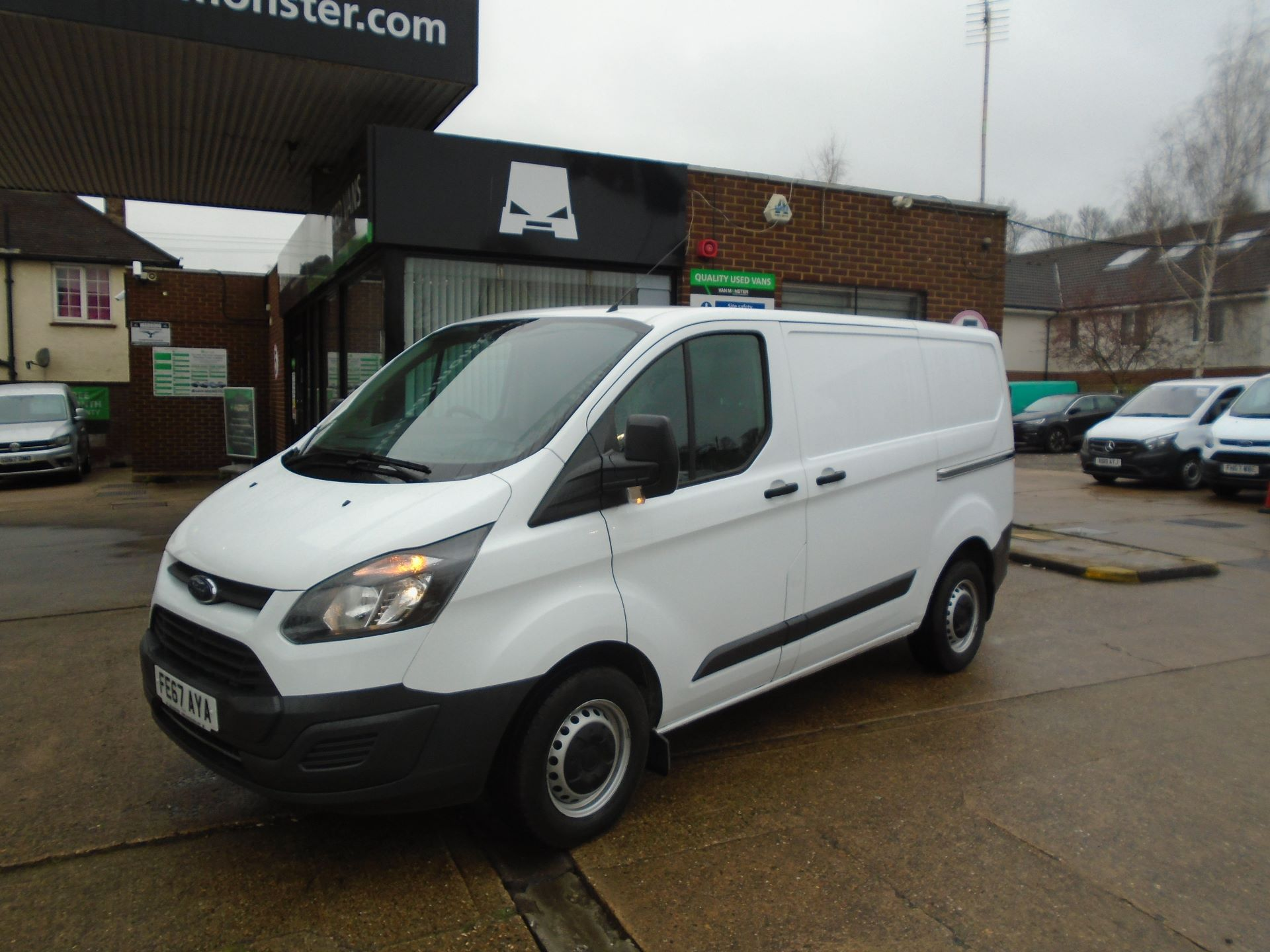 2017 Ford Transit Custom 2.0 Tdci 105Ps Low Roof Van(EURO 6) (FE67AYA) Image 7