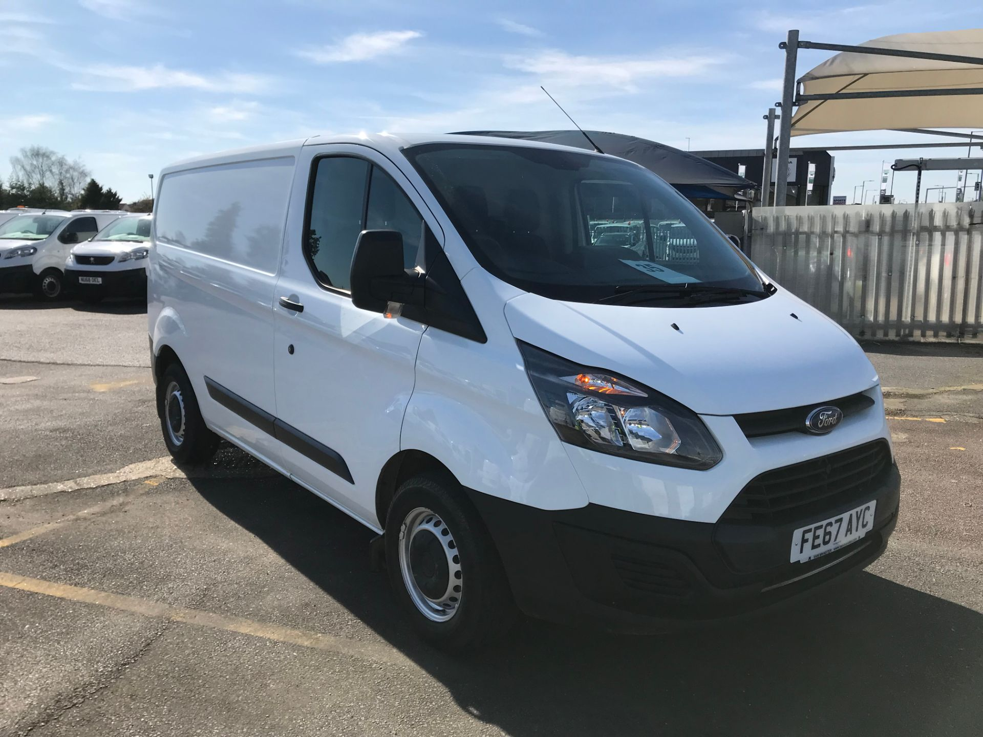 2017 Ford Transit Custom  290 L1 DIESEL FWD 2.0 TDCI 105PS LOW ROOF VAN EURO 6 (PARKING SENSORS) (FE67AYC)